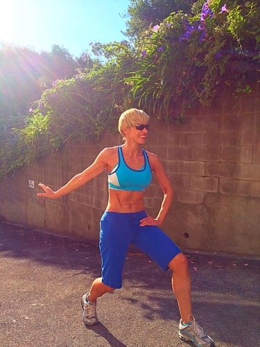 Downhill alternating lunge